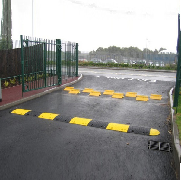 Flow Plate and Speed Ramp Combo up to HGV-Surface mounted flow Plate and Speed Ramp Combo up to HGP Barriers Direct