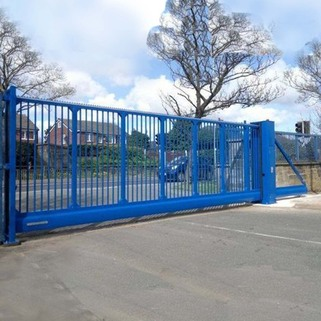 Automatic Cantilever Sliding Gate - COMMERCIAL USE