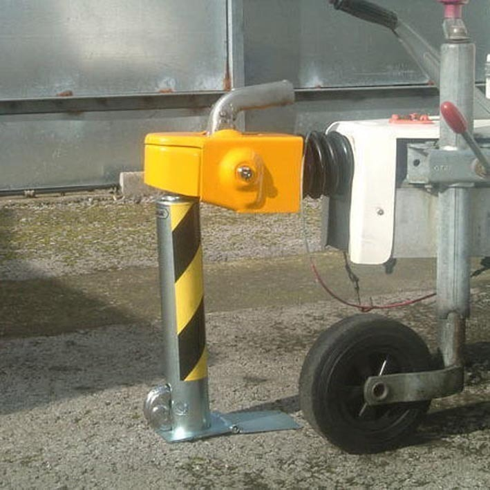 Hitch Post-Removable-Secure trailers and caravans. image