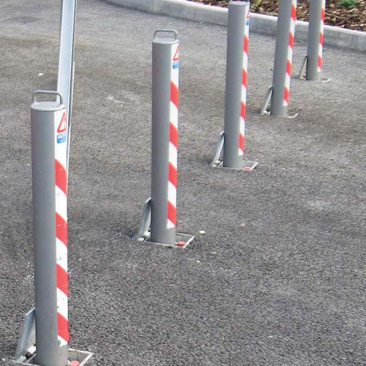 Telescopic bollard 745mm Above Ground Integral Lock  image