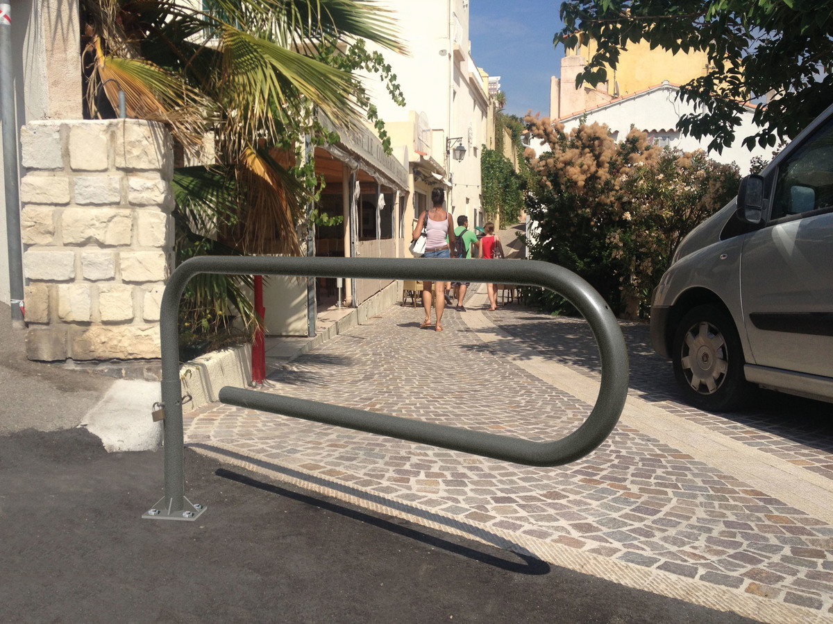 Swivel Gate - Lightweight Pedestrian designed to control access. image
