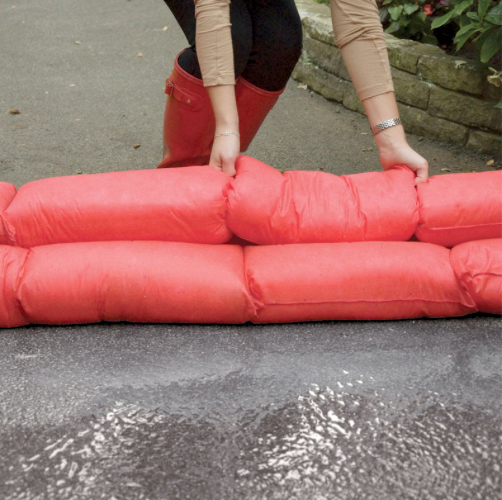 Sandbag perfect alternative: Hydro Snake is the easier alternative to sandbags to fight floods .  image