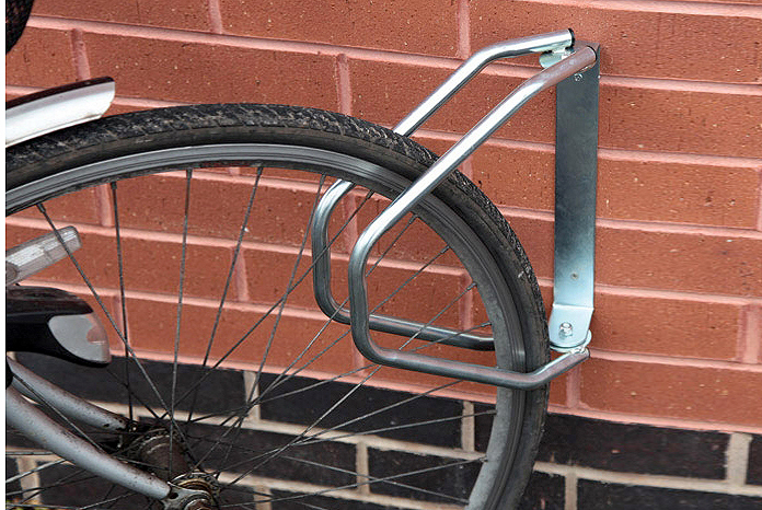 Adjustable wall cycle rack 4 2